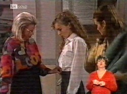 Helen Daniels, Debbie Martin, Julie Martin in Neighbours Episode 2170