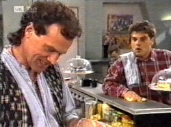 Dave Gottlieb, Mark Gottlieb in Neighbours Episode 2171