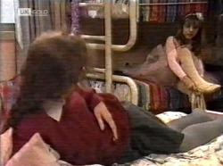 Debbie Martin, Hannah Martin in Neighbours Episode 2171