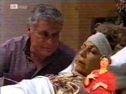 Lou Carpenter, Cheryl Stark in Neighbours Episode 2172