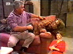 Lou Carpenter, Brett Stark in Neighbours Episode 2173