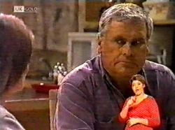 Julie Martin, Lou Carpenter in Neighbours Episode 2173