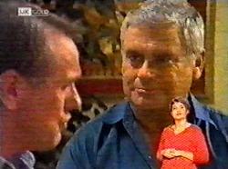 Doug Willis, Lou Carpenter in Neighbours Episode 2173