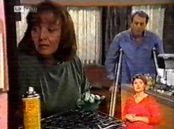 Pam Willis, Doug Willis in Neighbours Episode 2173