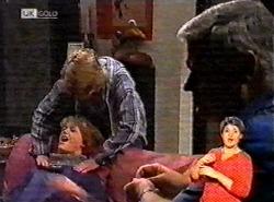 Brett Stark, Danni Stark, Lou Carpenter in Neighbours Episode 2174