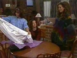 Pam Willis, Cody Willis, Gaby Willis in Neighbours Episode 2186
