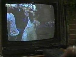 in Neighbours Episode 2186