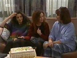 Gaby Willis, Cody Willis, Pam Willis in Neighbours Episode 2186