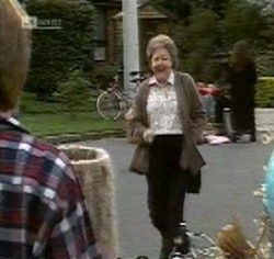 Marlene Kratz in Neighbours Episode 2188