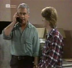 Lou Carpenter, Brett Stark in Neighbours Episode 2188