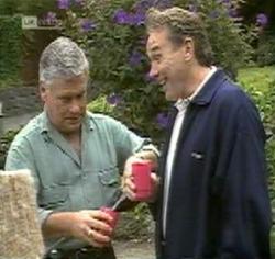 Lou Carpenter, Doug Willis in Neighbours Episode 2188