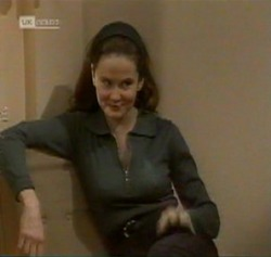 Julie Martin in Neighbours Episode 2189