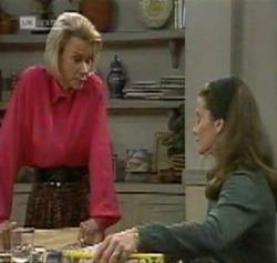 Helen Daniels, Julie Martin in Neighbours Episode 2189