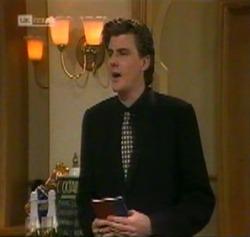 Elliot Patterson in Neighbours Episode 2189