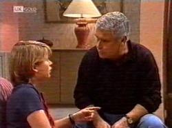 Danni Stark, Lou Carpenter in Neighbours Episode 2191