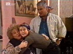 Cheryl Stark, Danni Stark, Lou Carpenter in Neighbours Episode 2191