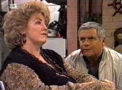 Cheryl Stark, Lou Carpenter in Neighbours Episode 2192