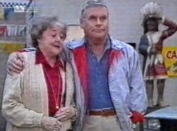 Marlene Kratz, Lou Carpenter in Neighbours Episode 2192