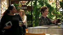 Sheila Canning 2, Susan Kennedy in Neighbours Episode 8594