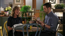 Jane Harris, Curtis Perkins in Neighbours Episode 8594