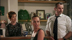 Susan Kennedy, Bea Nilsson, Toadie Rebecchi in Neighbours Episode 8595