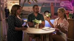 Terese Willis, Kyle Canning, Roxy Willis in Neighbours Episode 8613