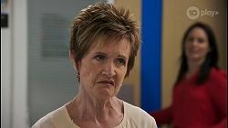Susan Kennedy, Angela Lane in Neighbours Episode 8615