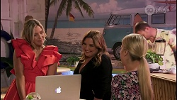 Amy Greenwood, Terese Willis, Roxy Willis in Neighbours Episode 8621