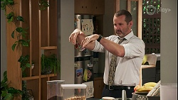 Toadie Rebecchi in Neighbours Episode 8622