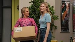 Roxy Willis, Mackenzie Hargreaves in Neighbours Episode 8622
