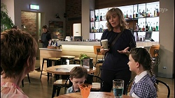 Susan Kennedy, Hugo Somers, Jane Harris, Nell Rebecchi in Neighbours Episode 8623