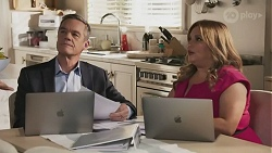 Paul Robinson, Terese Willis in Neighbours Episode 8625