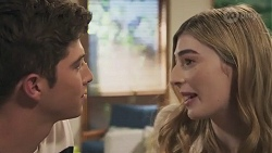 Hendrix Greyson, Mackenzie Hargreaves in Neighbours Episode 8628