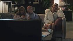 Jane Harris, Clive Gibbons, Chloe Brennan in Neighbours Episode 8628
