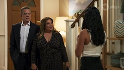Paul Robinson, Terese Willis, Yashvi Rebecchi in Neighbours Episode 8632