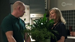 Clive Gibbons, Jane Harris in Neighbours Episode 8633