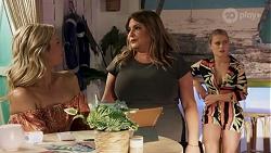 Amy Greenwood, Terese Willis, Roxy Willis in Neighbours Episode 8637