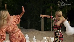 Amy Greenwood, Roxy Willis in Neighbours Episode 8637