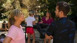 Amy Greenwood, Roxy Willis, Terese Willis, Ned Willis in Neighbours Episode 8641