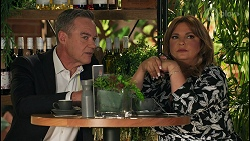 Paul Robinson, Terese Willis in Neighbours Episode 8647