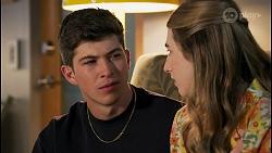 Hendrix Greyson, Mackenzie Hargreaves in Neighbours Episode 8650