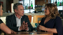 Roxy Willis, Paul Robinson, Terese Willis in Neighbours Episode 8652