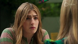 Mackenzie Hargreaves, Roxy Willis in Neighbours Episode 8653
