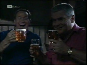 Doug Willis, Lou Carpenter in Neighbours Episode 2151