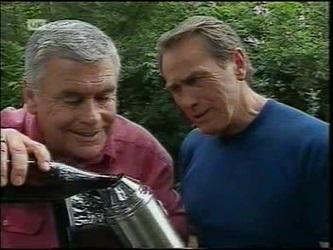 Lou Carpenter, Doug Willis in Neighbours Episode 2151