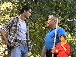 Sam Kratz, Lou Carpenter in Neighbours Episode 2177