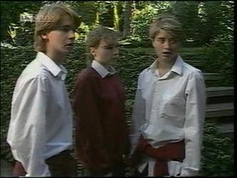 Brett Stark, Debbie Martin, Danni Stark in Neighbours Episode 2180