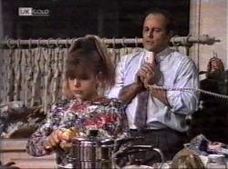 Hannah Martin, Philip Martin in Neighbours Episode 2196