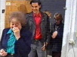 Marlene Kratz, Sam Kratz, Danni Stark, Brett Stark in Neighbours Episode 2198