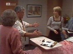 Marlene Kratz, Lou Carpenter, Danni Stark in Neighbours Episode 2202